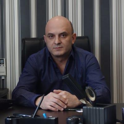 Ведущий менеджер Рустамов Рустам Джавидинович